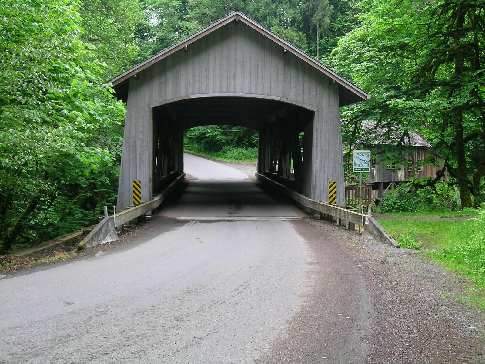 Cedar creek covered bridge 47 06 02 for Ceader creek