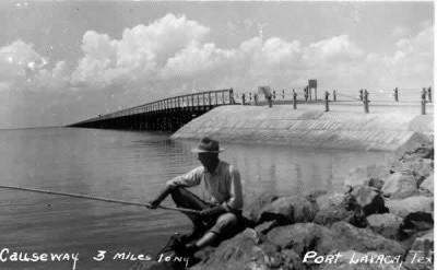 Lavaca bay causeway 1931 1961 for Port lavaca fishing