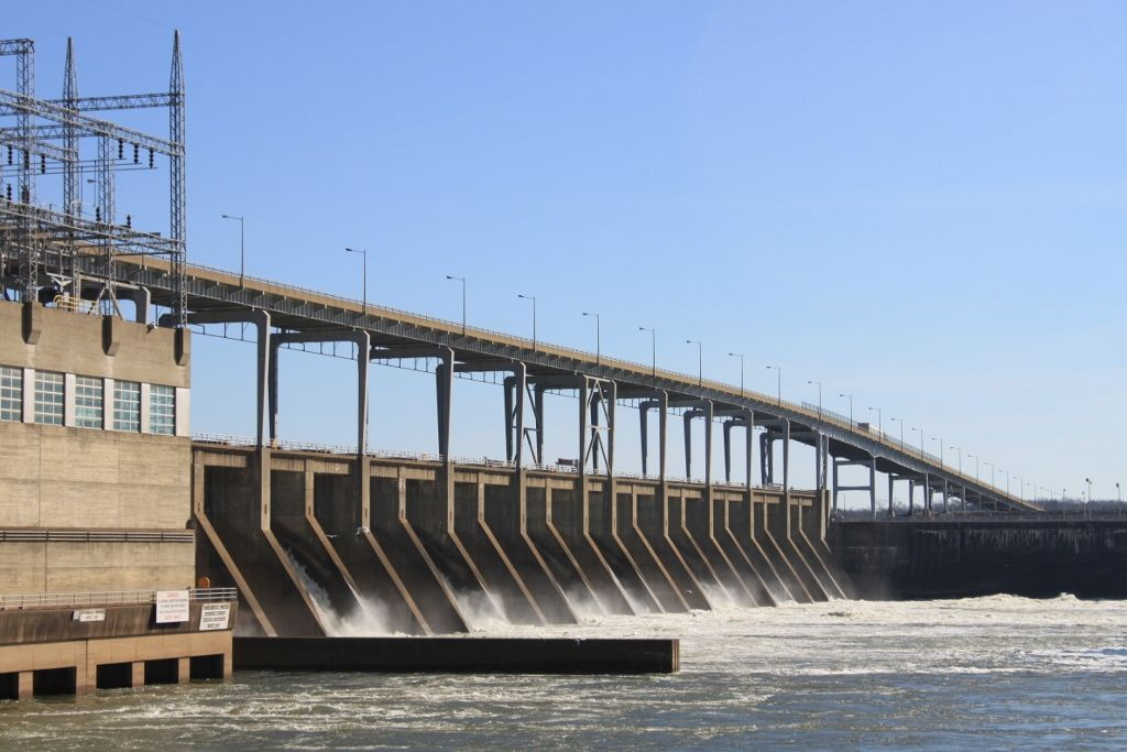 pickwick dam single guys Pickwick landing state park is located just south of pickwick dam, 14 miles south of savannah, in hardin county noted for its excellent water recreation the lake and river offers fishing, boating, swimming and a marina.