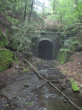 Bridgehunter Com Ow Fallsburg Tunnel